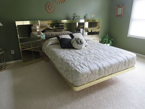 Contemporary Queen Bed Mirrored Side Stands