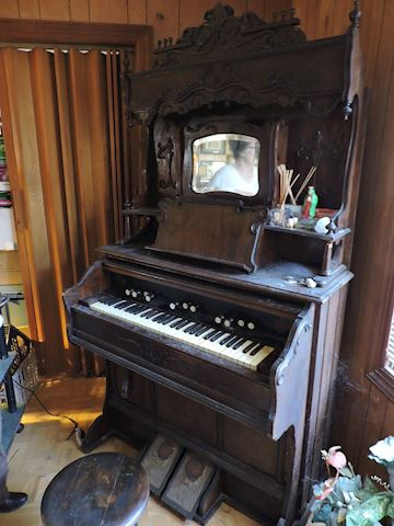 Antique 1892 Beckwith Pump Organ Owned Wilma Lee