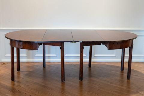 Lot 0016 Hepplewhite 3 part Mahogany Dining Table