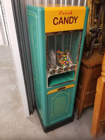 Reproduction Vintage Candy Machine