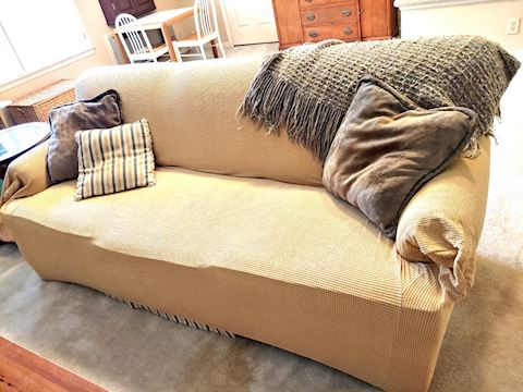 Mastercraft Couch w/ Pillows