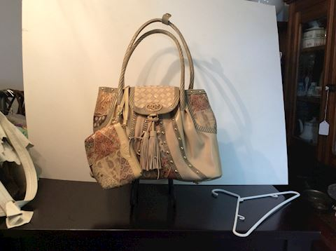 New leather purses by Sharif