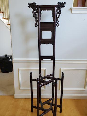 Dragon motif tall wood stand