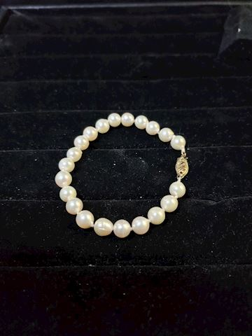 "7"" Pearl and 14k gold bracelet"