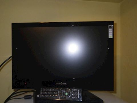 "19"" TV with Remote"