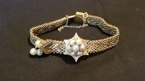 14k Gold bracelet with saphires and pearls