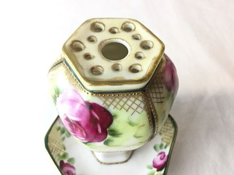 Vintage hat pin holder attach floral plate 80S210