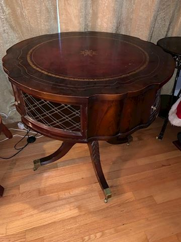 Antique round table / cabinet