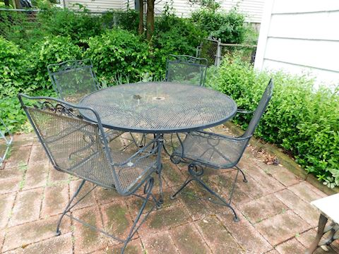 215 Floral Wrought Iron Table & 4 Chairs