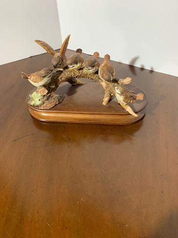 Liv.  514 Little Birds Decor