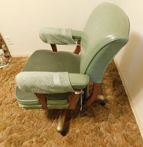 074 Vintage Green Office Rolling Chair