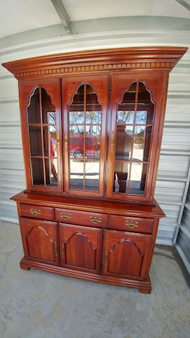 Hutch Cabinet Display