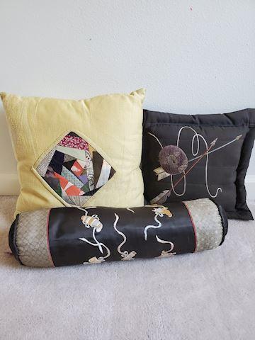 Set of 3 antique silk pillows