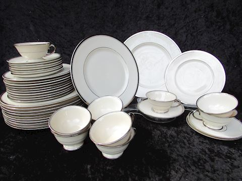 FRANCISCAN MASTERPIECE/HUNTINGTON 43 PCS CHINA