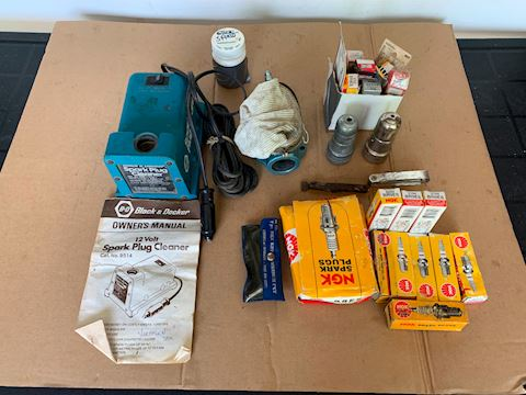 Spark plugs, hex wrech set & Misc tools Lot # 216