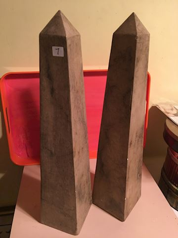 Set of 2 decorative Obelisks