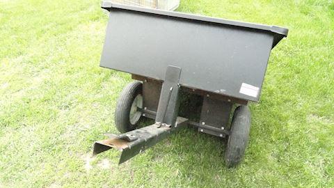 Metal utility trailer w/tail gate Lot # 24