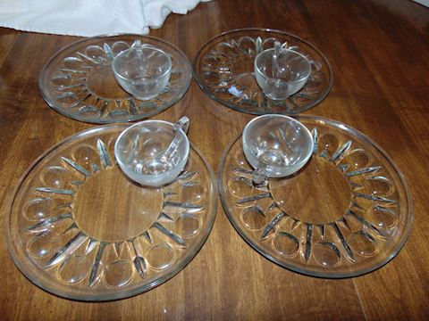 Vintage Indiana Glass Hostess Plates