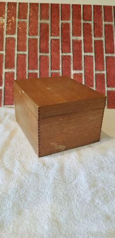 Globe Wernicke file box 7510C