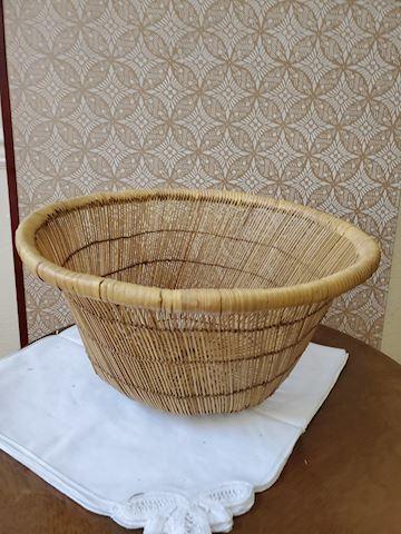 Round woven grass basket