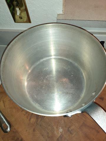 Spun Aluminum? Stainless Light Weight Stock Pot