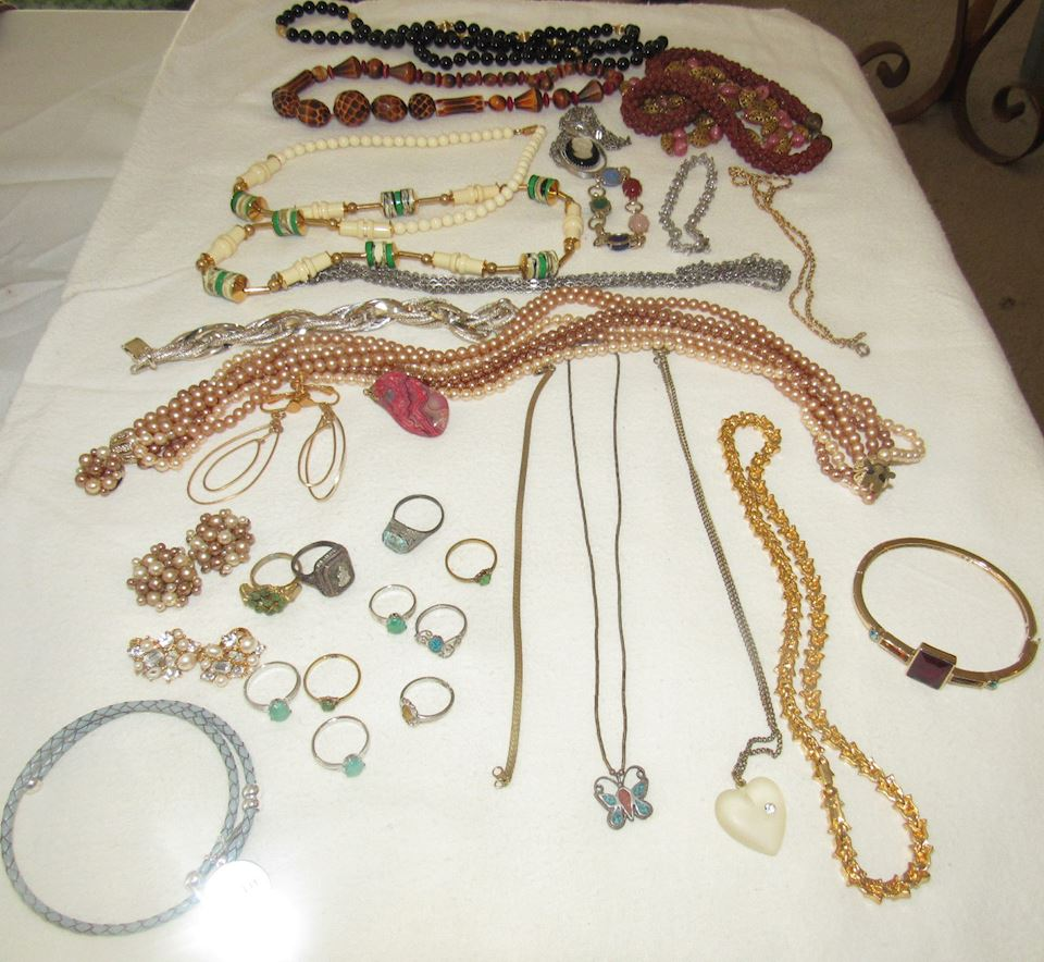 AMAZING ONLINE ESTATE SALE! JEWELRY, MID CENTURY FURNITURE, POTTERY & MORE