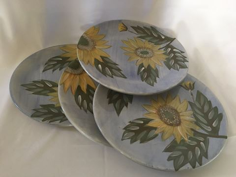 Lot of 4 Sunflower Dinner Size Plates