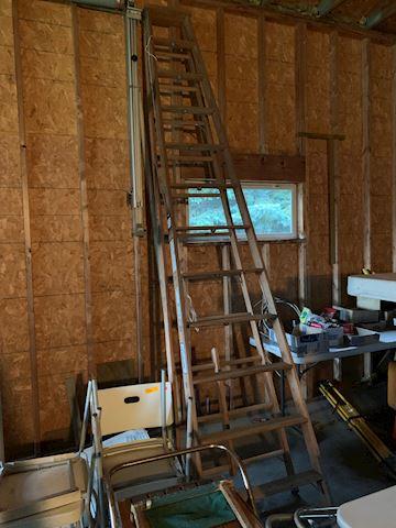 12 Foot Louisville wood Ladder Lot # 39