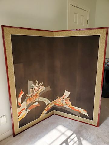 Large silk embroidered Japanese screen