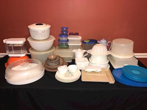 Big lot plastic ware, Tupperware, Melmac PLUS