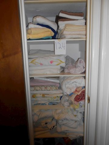Lot #124 Towels/sheets