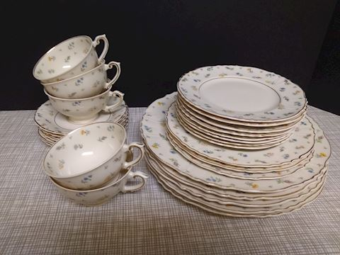 """K  113  """"Set of Suzanne pattern China"""""""