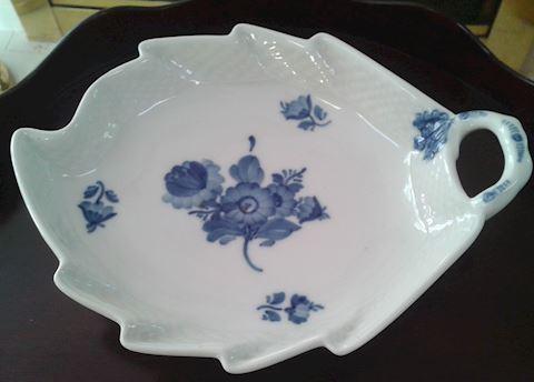ROYAL COPENHAGEN BLUE FLOWERS BRAIDED PICKLE DISH