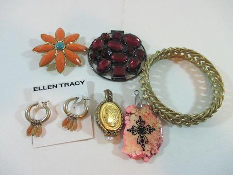 A 6 Peice Lot/Vintage Wear/ Repurpose Jewelry