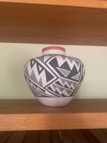 Vintage 1960's Acoma Laguna Pot-JG Louis