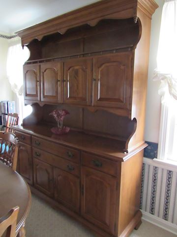 Ethan Allen Maple Hutch