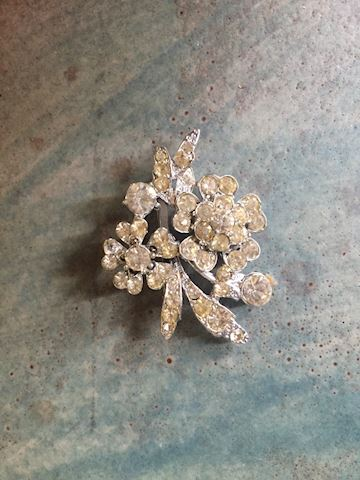Costume Jewelry Vintage Rhinestone Pin Brooch