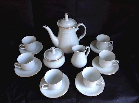 Thun Czech Formal Tea Set