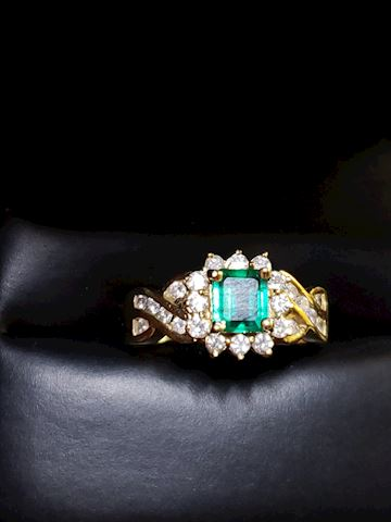 Emerald and Diamonds, Ring size 7 1/2