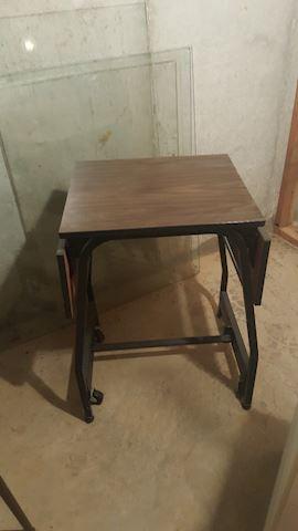 456143 Typewriter Stand
