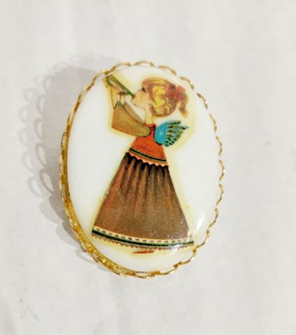 Vintage Jewelry Girl Playing Trumpet Brooch GOLD P