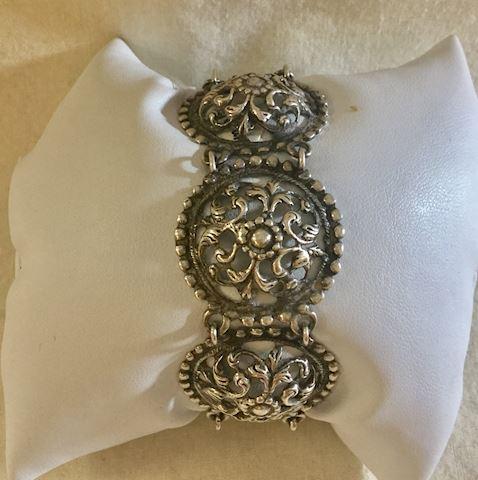 Designer Vintage Sterling Silver clasp bracelet
