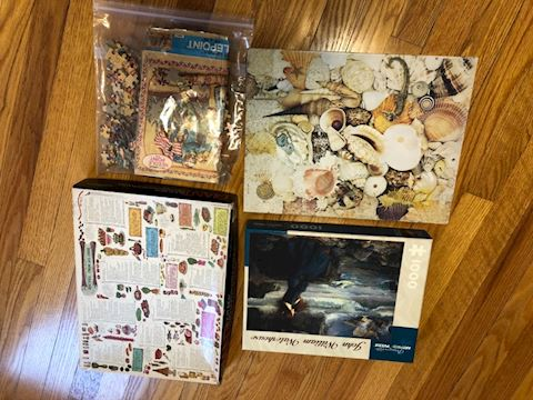 Lot of 4 puzzles