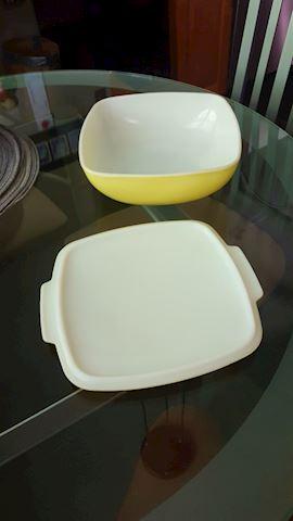 423027 Retro Pyrex Baking Dish
