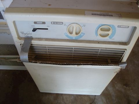 Whirlpool window air conditioner Lot #51