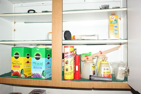 Miracle Grow, Sprayers and Insect Shelf Items