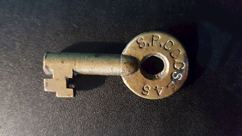 ANTIQUE SOUTHERN PACIFIC RR SWITCH KEY