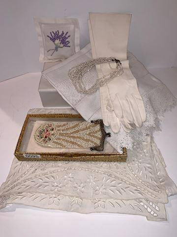 Lot 0095 Vintage Beaded purse