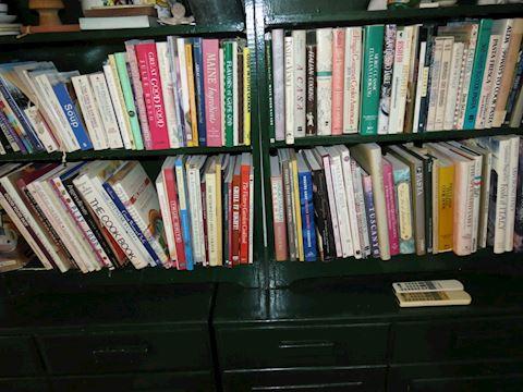 Appx 125 Cookbooks