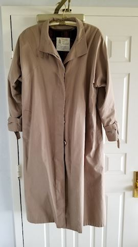 London Fog women's trenchcoat with zip in liner